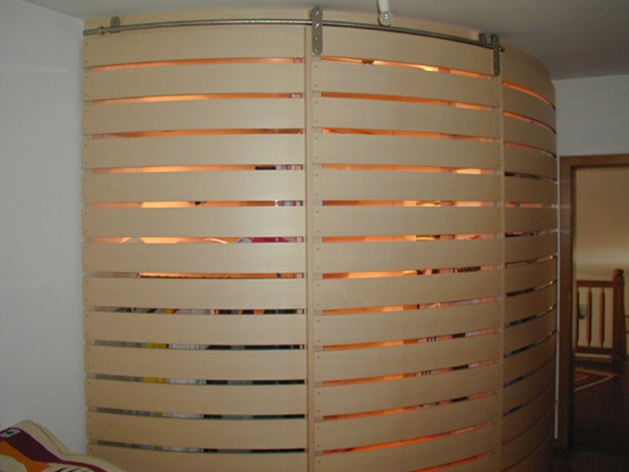 Schrank Innenbeleuchtung Küche ~ Schlafzimmer in Ahorn mit begehbarem Schrank